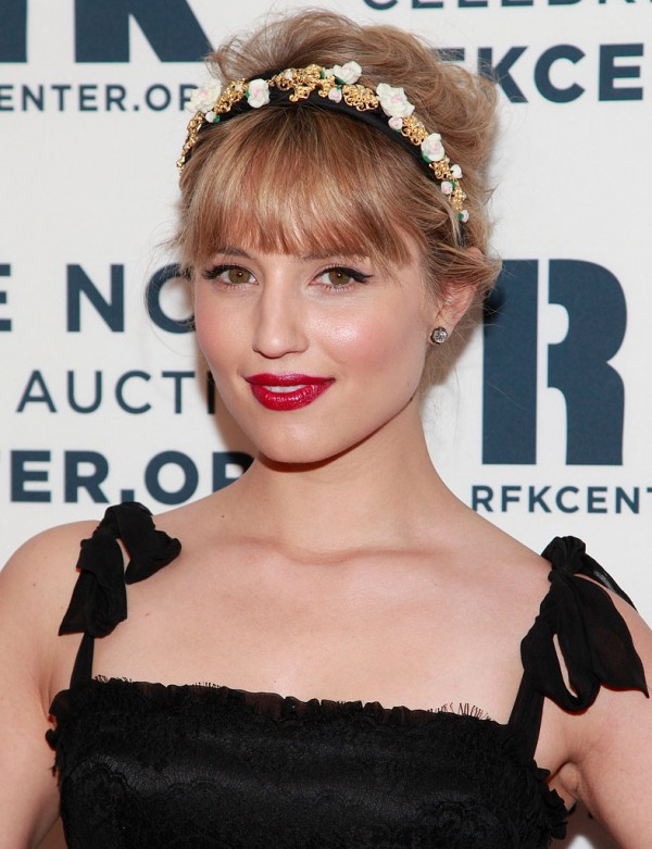 Dianna-Agron-wore-her-shoulder-length-hair-pulled-back-textured